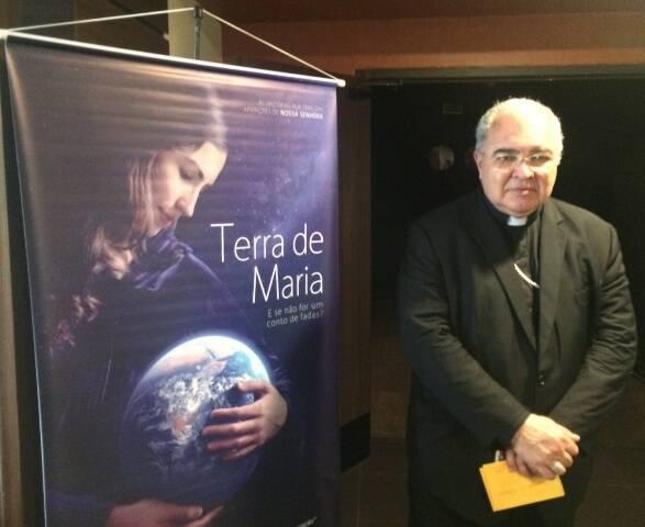 """Dom Orani Tempesta, pouco antes da sessão das 14h do filme """"Terra de Maria"""", no Cinemark Downtown / Foto: Paulo Ubaldino"""