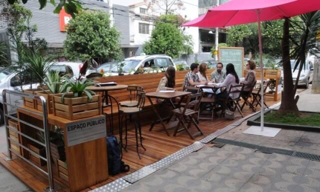 Parklet em Belo Horizonte, Minas: a ideia pode ser implantada na cidade carioca / Foto: reprodução da internet