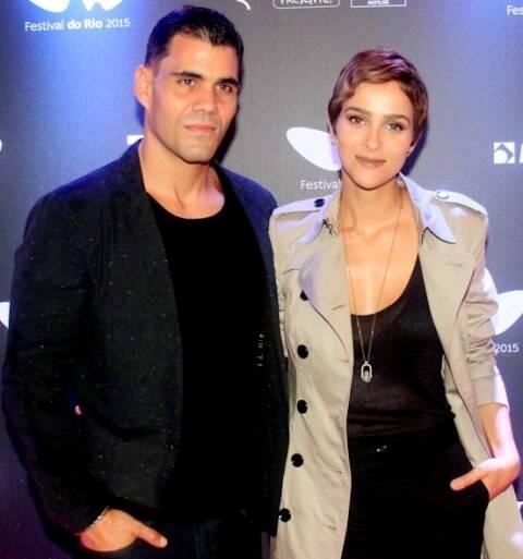 Juliano e Letícia Cazarré: o casal é sempre visto em eventos culturais e de moda no Rio / Foto: Cia da Foto