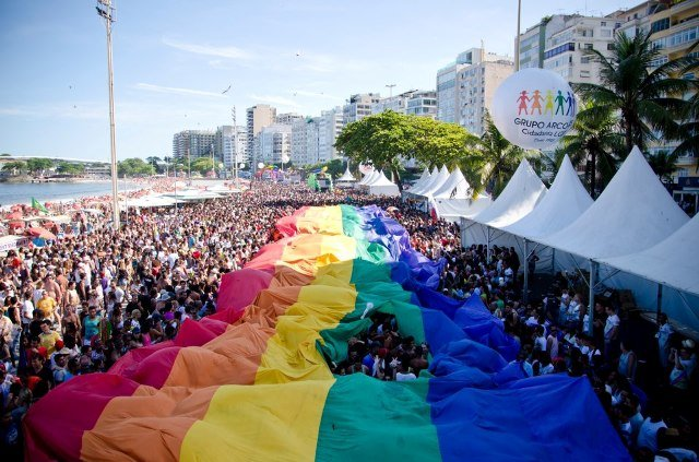 Parada Gay deste ano em Copacabana: menos recursos e mais política / Foto: reprodução da internet