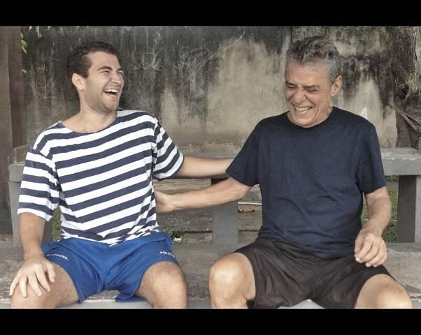 Leo Russo e Chico Buarque: adversários no futebol, amigos na música / Foto: divulgação