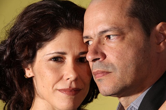 Juliana Martins e Heitor Martinez interpretam o casal Marianne e Johan com direção de Bruce Gomlevsky / Foto: Thiago Ristow