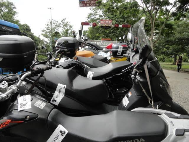 Operação Detran e Polícia Militar: em poucas horas, repare na quantidade de motos irregulares