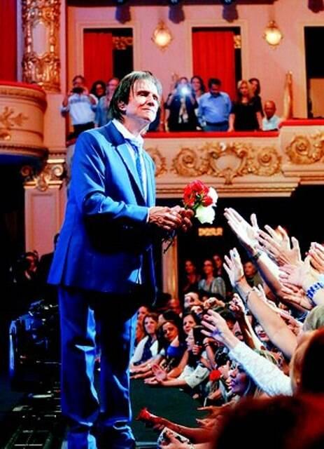 Roberto Carlos no especial que a Globo exibe em dezembro, gravado sábado passado (07/11) no Theatro Municipal / Foto: divulgação