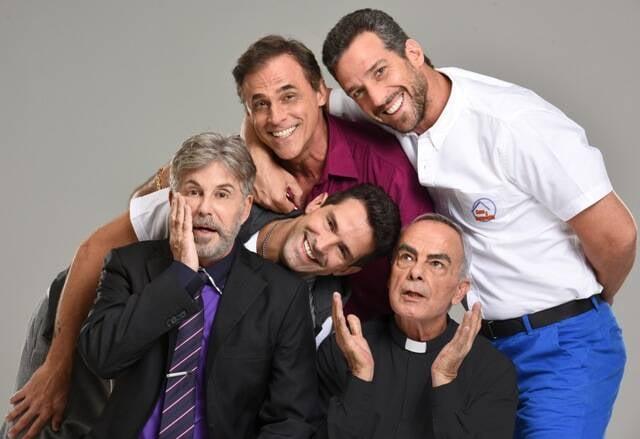 Em sentido horário: Edwin Luisi, Oscar Magrini, Carlos Bonow, Roberto Pirillo, como o padre e Iran Malfitano: só homens no elenco / Foto: divulgação