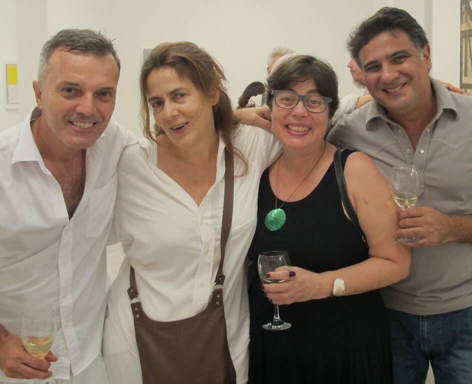 Na foto acima, Olivia Hime, Maria Cândida e Mercedes Viegas; nesta, Alexandre Kampbell, Enrica Bernardelli, Bel Pedrosa e Eduardo Soares / Fotos: