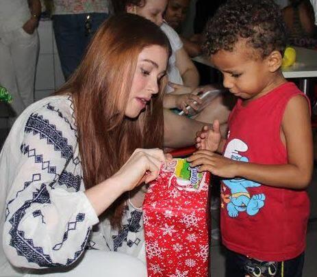 Marina Ruy Barbosa: a atriz visitou e distribuiu presentes na Casa Ronald na Tijuca, que cuida de crianças com câncer / Fotos: Rogério Fidalgo