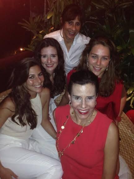 Alice, Marianna, Catharina, Nicole e Narcisa: Natal tradicional com famílias e agregados