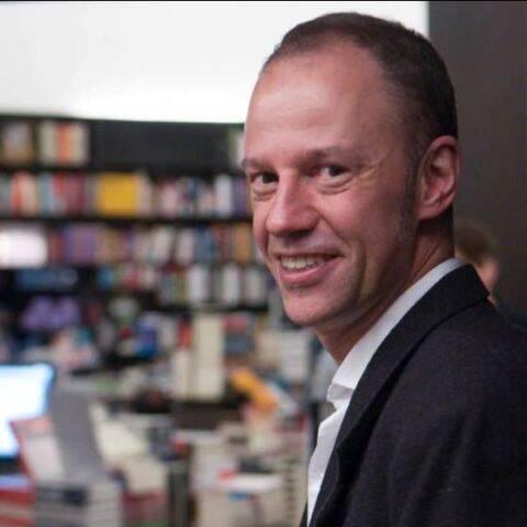 Paulo Tadeu, editor da Matrix: doação de livros para presidiário de Araraquara / Foto: reprodução do Facebook