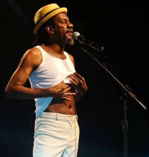 Luiz Melodia: 'Negro Gato' comemora 65 anos no palco