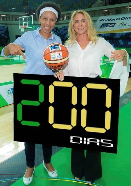 As ex-jogadoras de basquete Janeth Arcain e Hortência Marcari: a partir de segunda-feira (18/01), são apenas 200 dias para as Olimpíadas / Foto: Ricardo Sette Câmara/ Prefeitura do Rio