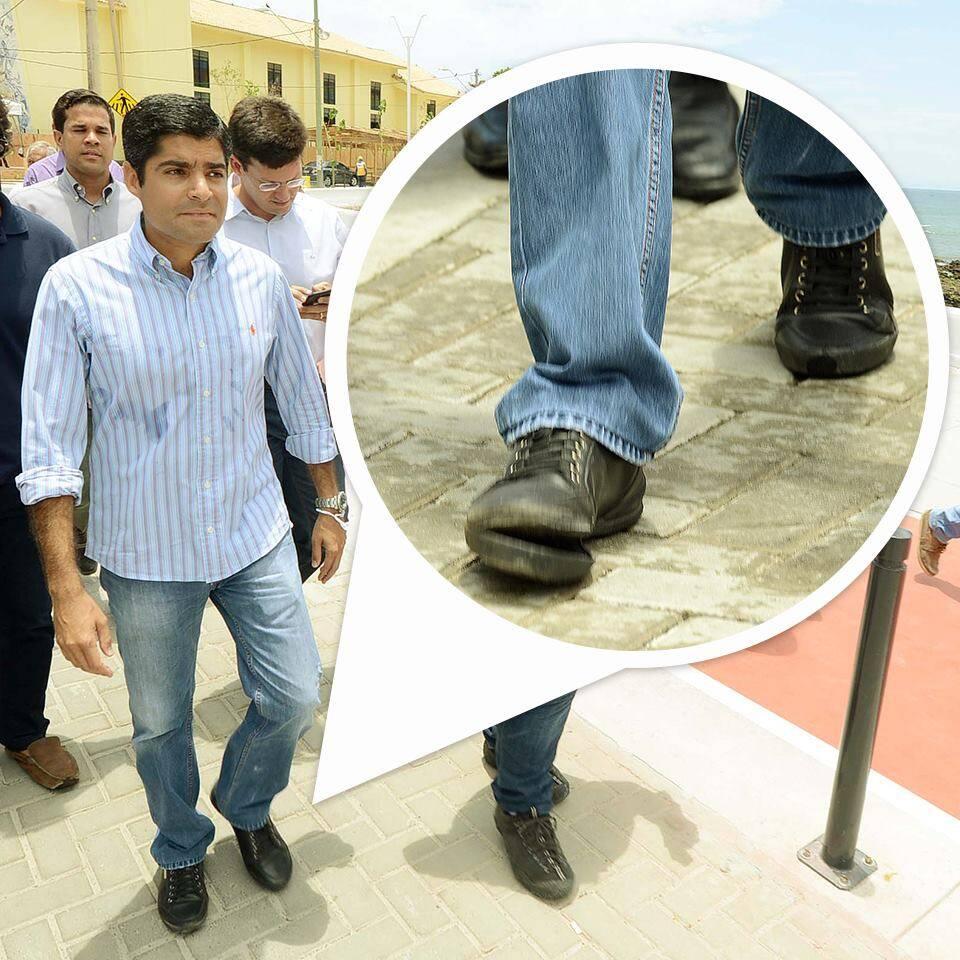 ACM Neto: prefeito de Salvador publica foto dos seus sapatos / Foto: reprodução Facebook