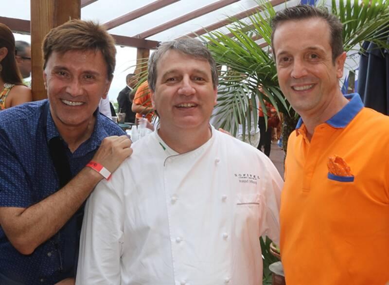 aaaaaaaaaPresidente da Nissan François Dossa, Chef Roland Villard e Alexis De Vaulx