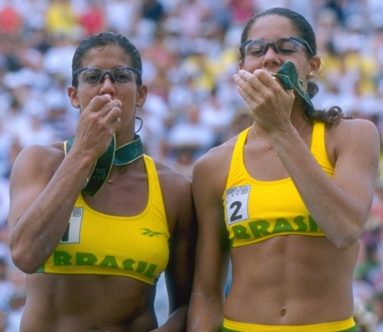 Jackie Silva e Sandra Pires em Atlanta: conquista do ouro olímpico vai fazer 20 anos em agosto / Foto: divulgação