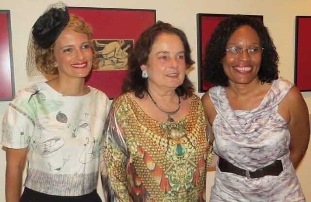 Mônica Xexéo, diretora do MNBA, Vera Rodrigues, viúva de Sergio Rodrigues, e Ana Botafogo, no alo; acima, Monica entre as novas curadoras do museu, Daniela Matera e Claudia Rocha / Fotos: Nelson