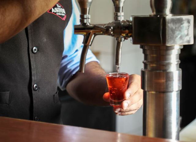 Torneira de drinques: novidade importada de Nova York / Foto: Rogério Resende