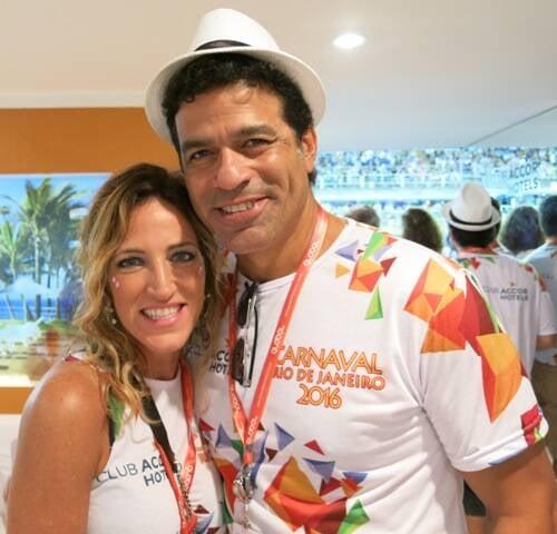 Vivi Lescher e o namorado Raí: no camarote da Global Marketing na Sapucaí / Foto: Robson Silva