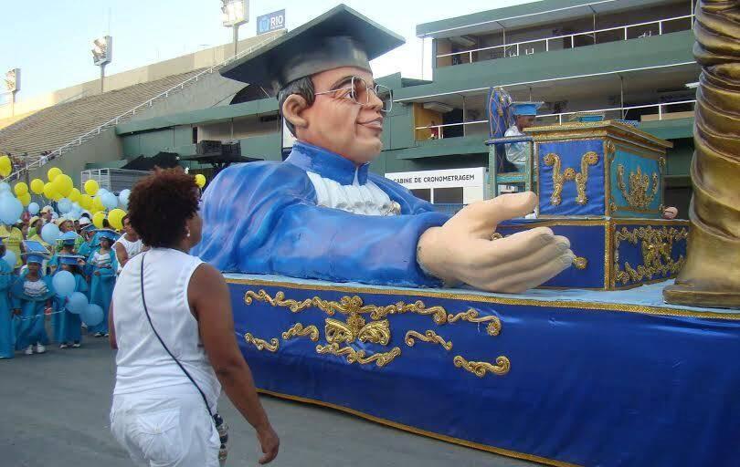 Golfinhos do Rio de Janeiro: a escola de samba mirim  homenageou o desembargador Siro Darlan / Foto: divulgação