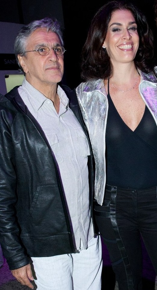 """Caetano Veloso e Paula Lavigne: """"Vamos deixar a coisa rolar sem expectativas. Estamos velhos e merecemos paz"""", diz ela / Foto: Vera Donato (arquivo Site Lu Lacerda)"""