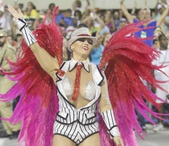 Fantasia de Viviane Araújo como malandro: prevista desde a definição do enredo / Foto: IG