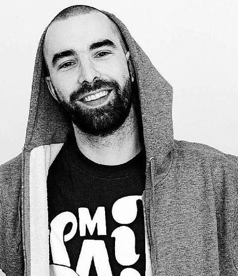 O DJ belga, fã de música brasileira, procura misturar ritmos latinos ao seu trabalho/ Foto: divulgação