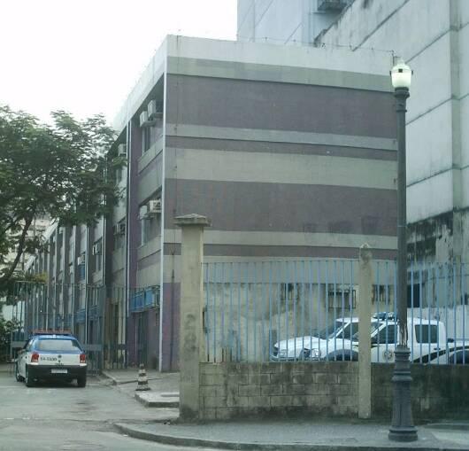 Instituto Carlos Éboli: sem condições de fazer a perícia das salsichas encontradas nas ruas do Leblon / Foto: reprodução da internet