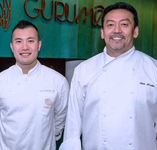 Os chefs Daiti Ieda (sushiman do Gurumê) e Shin Koyle, que assina o cardápio da casa / Foto: Tomas Rangel