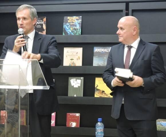 Embaixador da Franca Laurent Bili e Presidente da Biblioteca Nacional Renato Lessa
