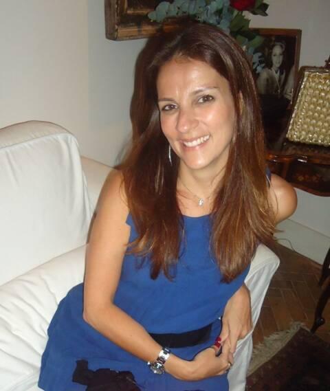 """Laura Paes:  """"Feijoada Dance 40"""", na Gávea, com idade estampada no convite / Foto: arquivo Site Lu Lacerda"""