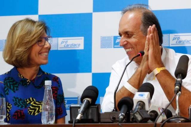 Maria Lúcia e Pezão: o governador tem em casa o maior dos  remédios / Foto: reprodução Facebook