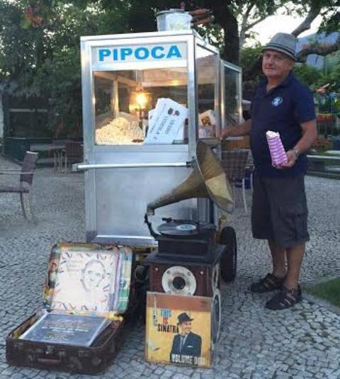 Paulo César de Mesquita: pipoqueiro roda por aí em eventos - com ou sem música / Foto: amigo da coluna