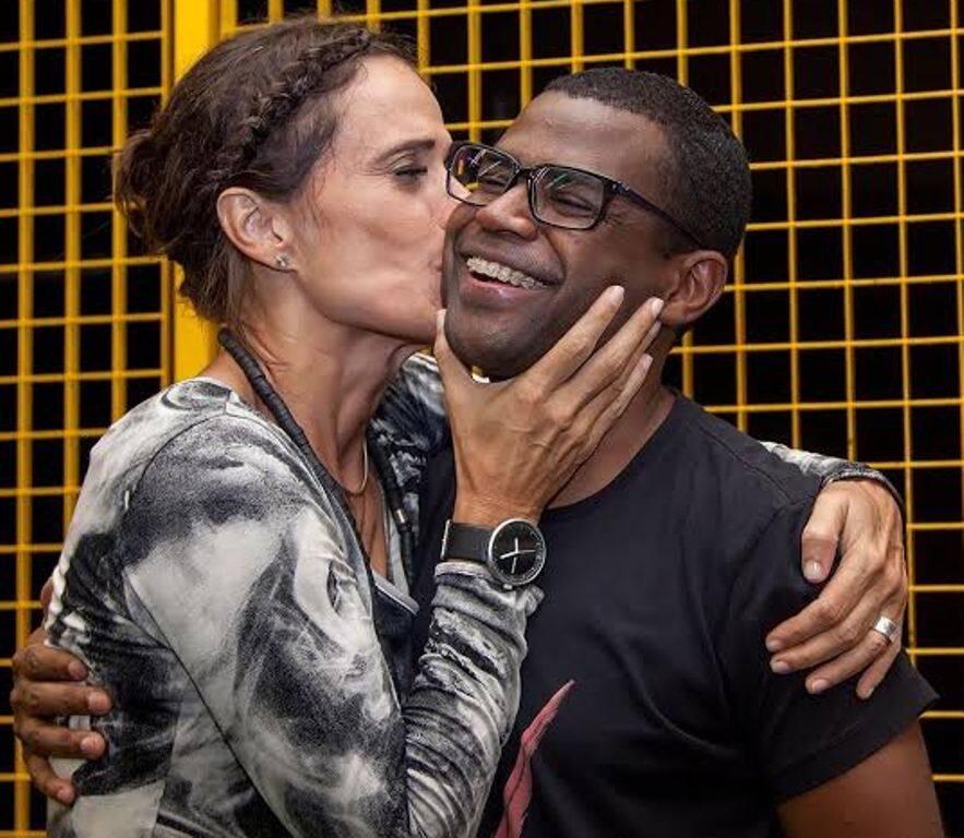 Zélia Duncan e Pretinho da Serrinha: a cantora e o percussionista são fãs um do outro / Foto: divulgação