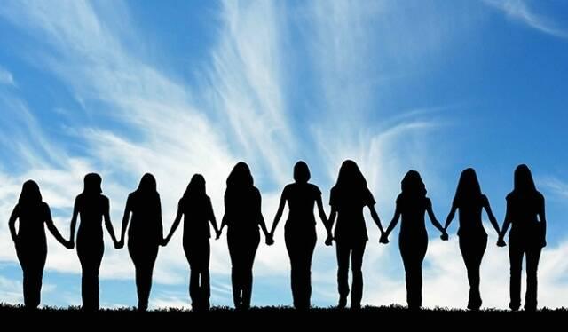 Movimento surgido nas redes sociais convida as mulheres a deixar a competição de lado / Foto: divulgação