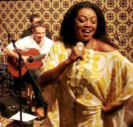 A cantora e mãe de santo Glória Bonfim vai comandar o restaurante da Casa do Choro / Foto: divulgação