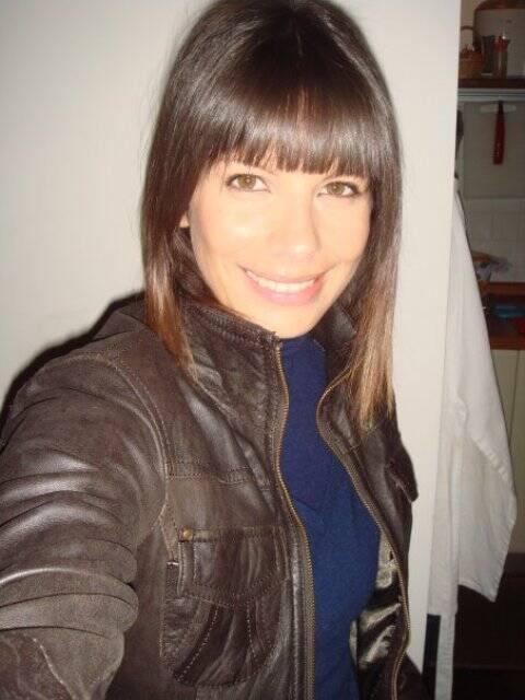 """Marianne Cotrin no clipe da música """"The most beautiful girl in the world"""" e em foto de 2010 / Fotos: reprodução da internet"""