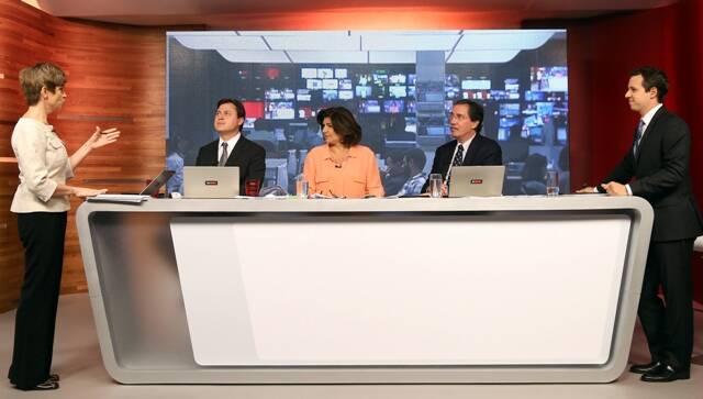 Renata Lo Prete (editora de política do jornal), Gerson Camarotti, Cristiana Lôbo, Merval Pereira e Dony De Nuccio (apresentador do J10). Foto: Globo/ Pedro Paulo Figueiredo