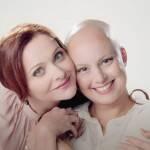Alexandra Richter  e Patricia Gil (em tratamento de câncer de mama)