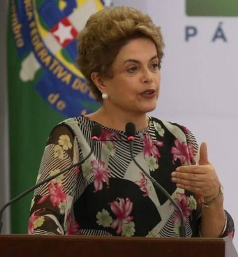 Dilma: enquanto a Presidente continuar na autopiedade, nada vai andar pra lugar algum / Foto: IG