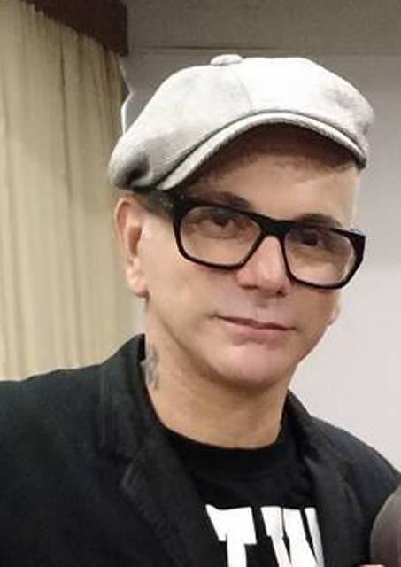 """Neandro Ferreira: o cabeleireiro costuma falar o que pensa - """"opinião negativa e amarga, não"""""""