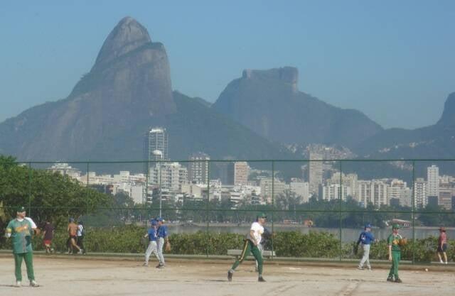 Campo de beisebol na Lagoa Rodrigo de Freitas: o local vai ser a base dos torcedores da Suíça, durantes as Olimpíadas / Foto: reprodução da internet