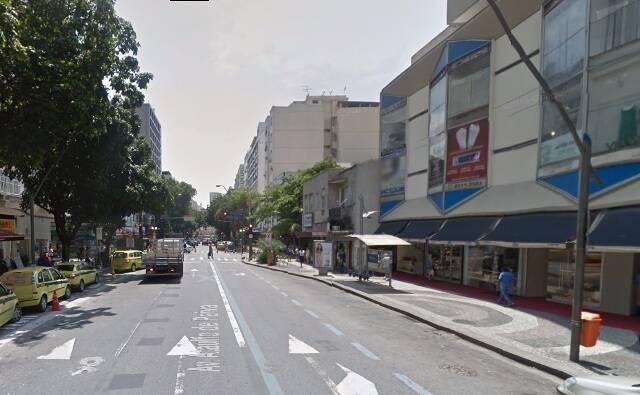 Trecho da Avenida Ataulfo de Paiva: arborização acontece só de um lado da rua / Foto: Google Maps