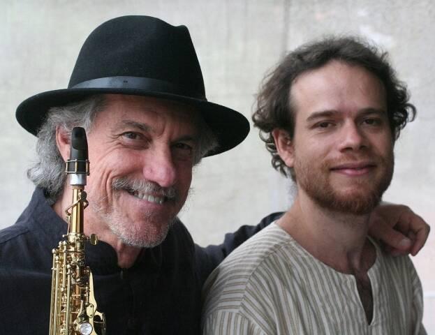Mauro Senise e Gabriel Geszti: dupla faz homenagem a Gilberto Gil tocando sax e flauta (Mauro) e piano (Gabriel) / Foto: divulgação
