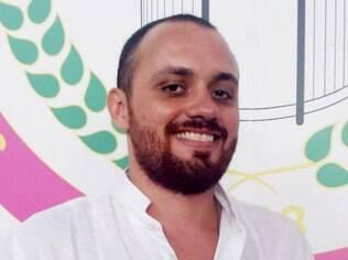 Leandro Vieira: animado com o fato de a Mangueira voltar a fechar o carnaval carioca em 2017 / Foto: IG
