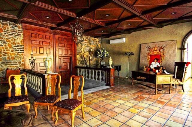 Casa onde viveu Michael Jackson, em Las Vegas: uma pechincha comparado aos preços do Rio / Fotos: reprodução Internet