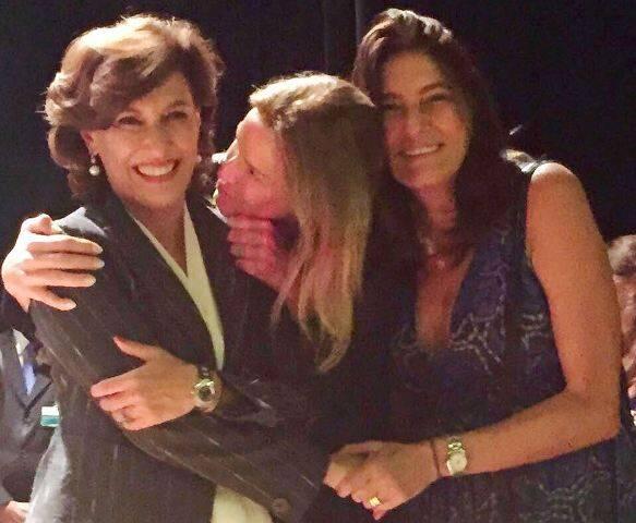 A nova presidente do BNDES, Maria Silvia Bastos Marques, Daniela Migani e Mucki Skowronski / Foto: reprodução do Facebook
