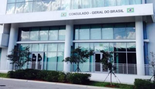 """Consulado-Geral do Brasil em Miami publicou, no Facebook, que está em """"regime de plantão"""""""