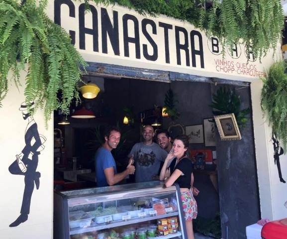 O bar na Rua Jangadeiros: o Le Monde descobriu um dos mais recentes segredos de Ipanema / Foto: reprodução do Facebook