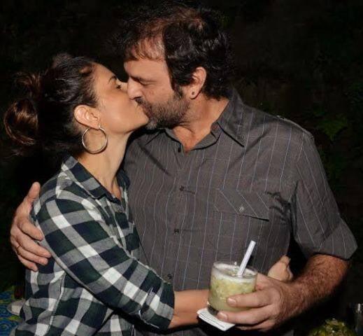 No alto, Paula Toller e Lui Farias; nesta foto, Fernanda Abreu e Tuto Ferraz: casais com frescor / Fotos: Cristina Granato