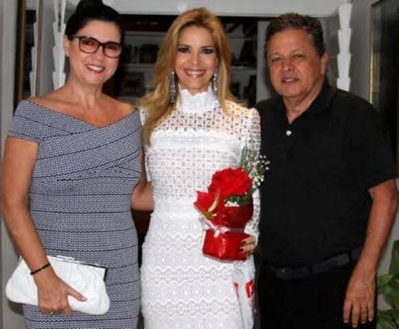 Manoela com Joana e Aloisio