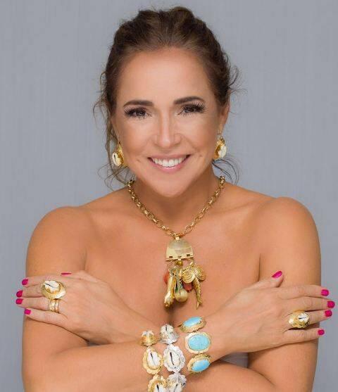 Parte da venda da coleção Búzios, que tem campanha estrelada por Daniela Mercury, vai reverter para o Terreiro do Gantois / Foto: Célia Snatos